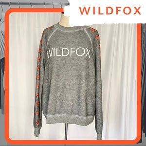 🆕 NWT WILDFOX Logo Rose Sleeve Sommers Sweater